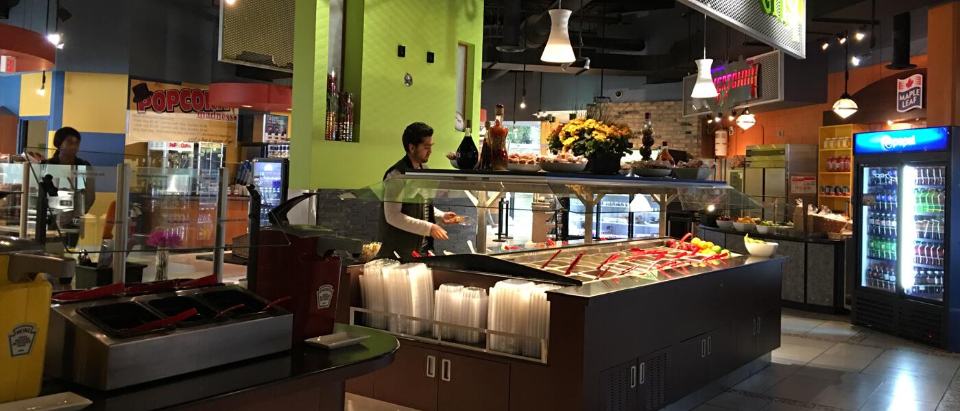 La Piazza restaurant - self-serve salad station